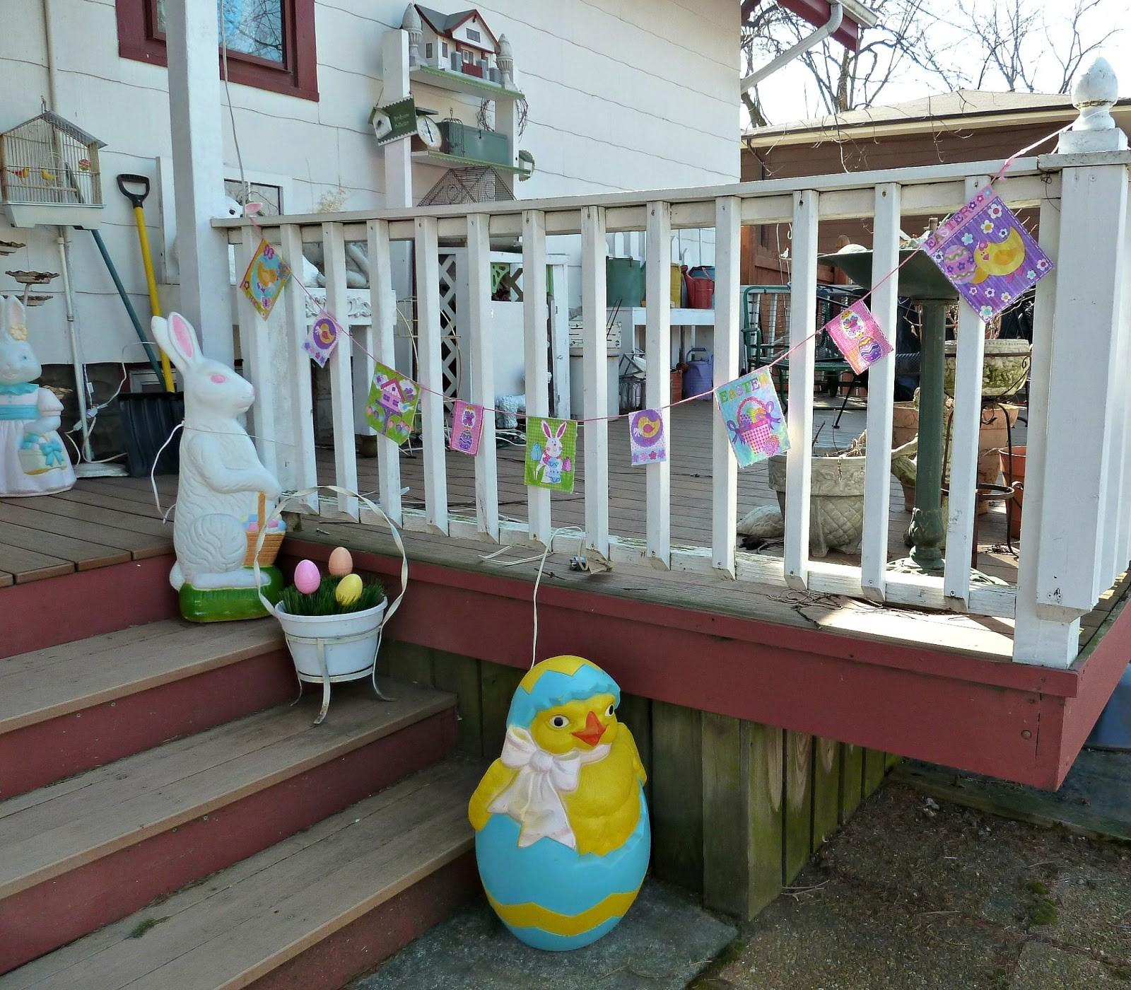 Old Glory Cottage Easter Decorations