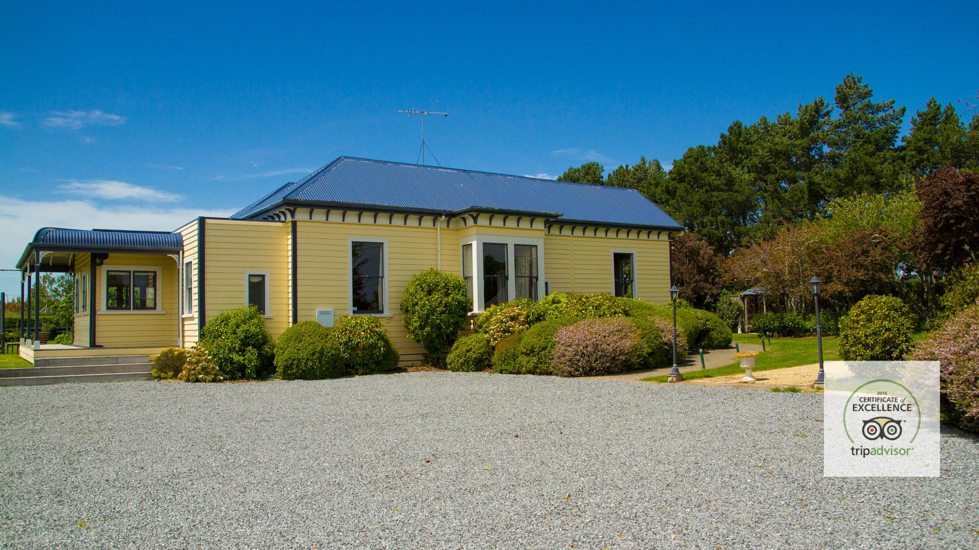 Old Manse Boutique Accommodation Homestay