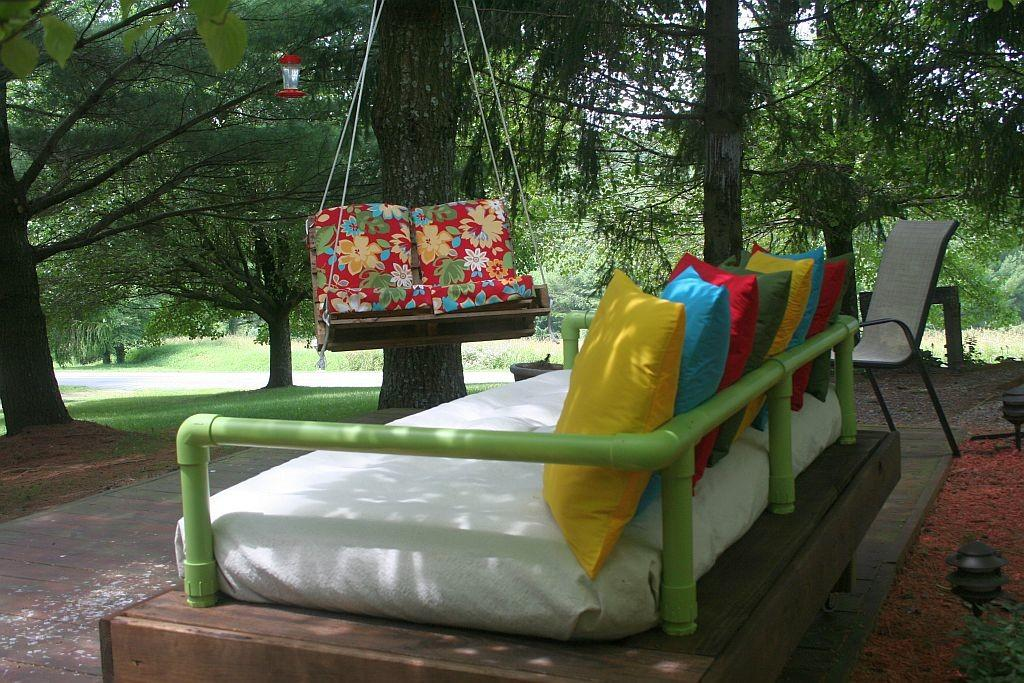 Ondawayto Somewhere Pallet Daybed