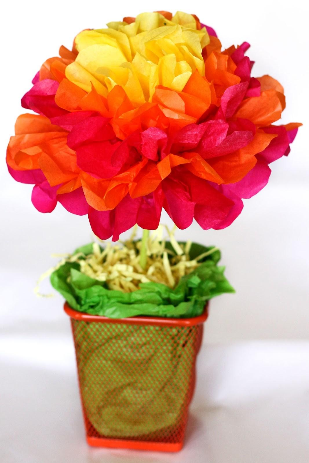 One Crafty Mama Easy Tissue Paper Flower Centerpieces