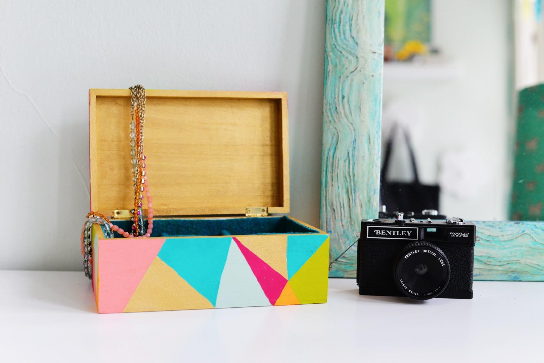 Organize Your Jewelry Colorful Geometric Diy