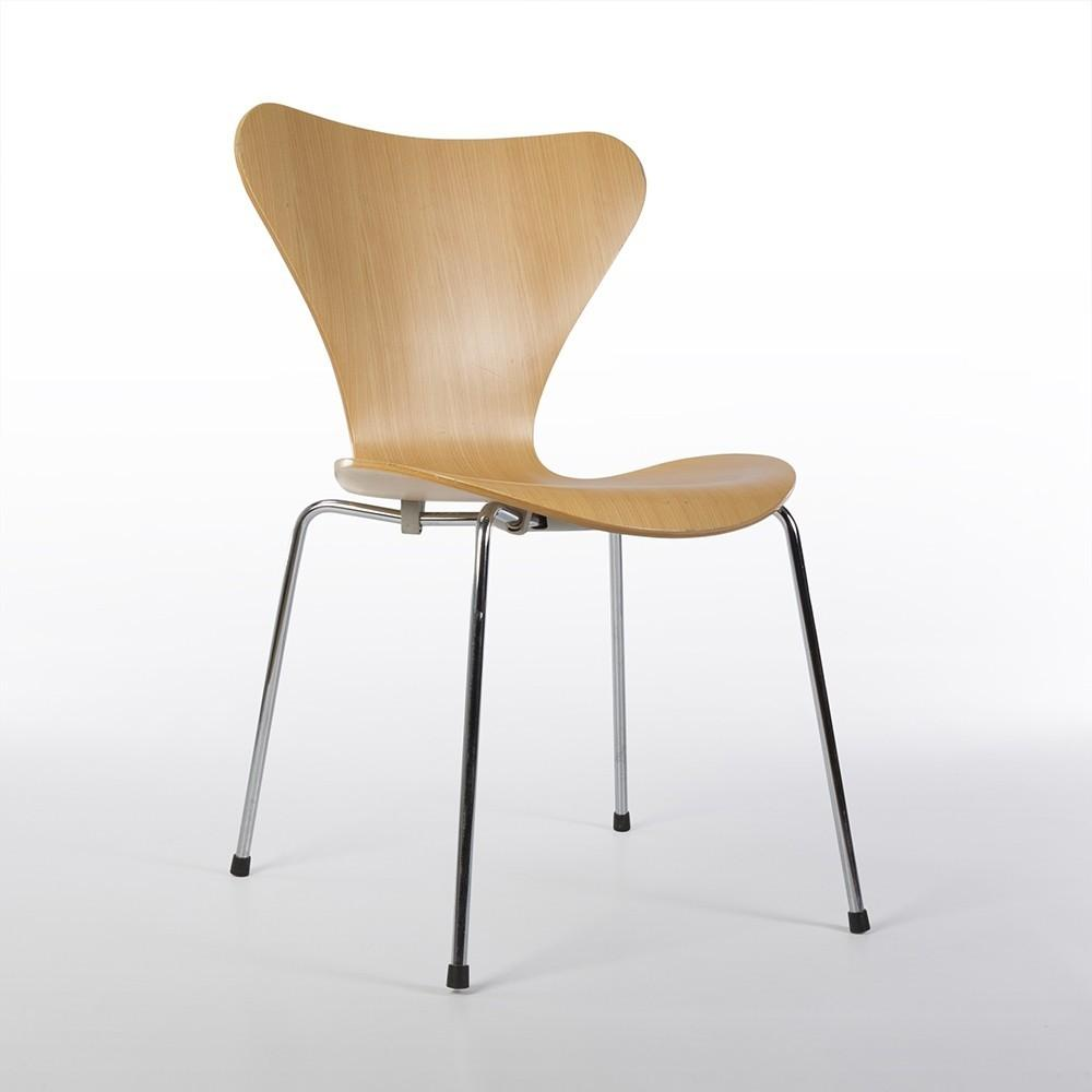 Original Fritz Hansen Arne Jacobsen Series Molded