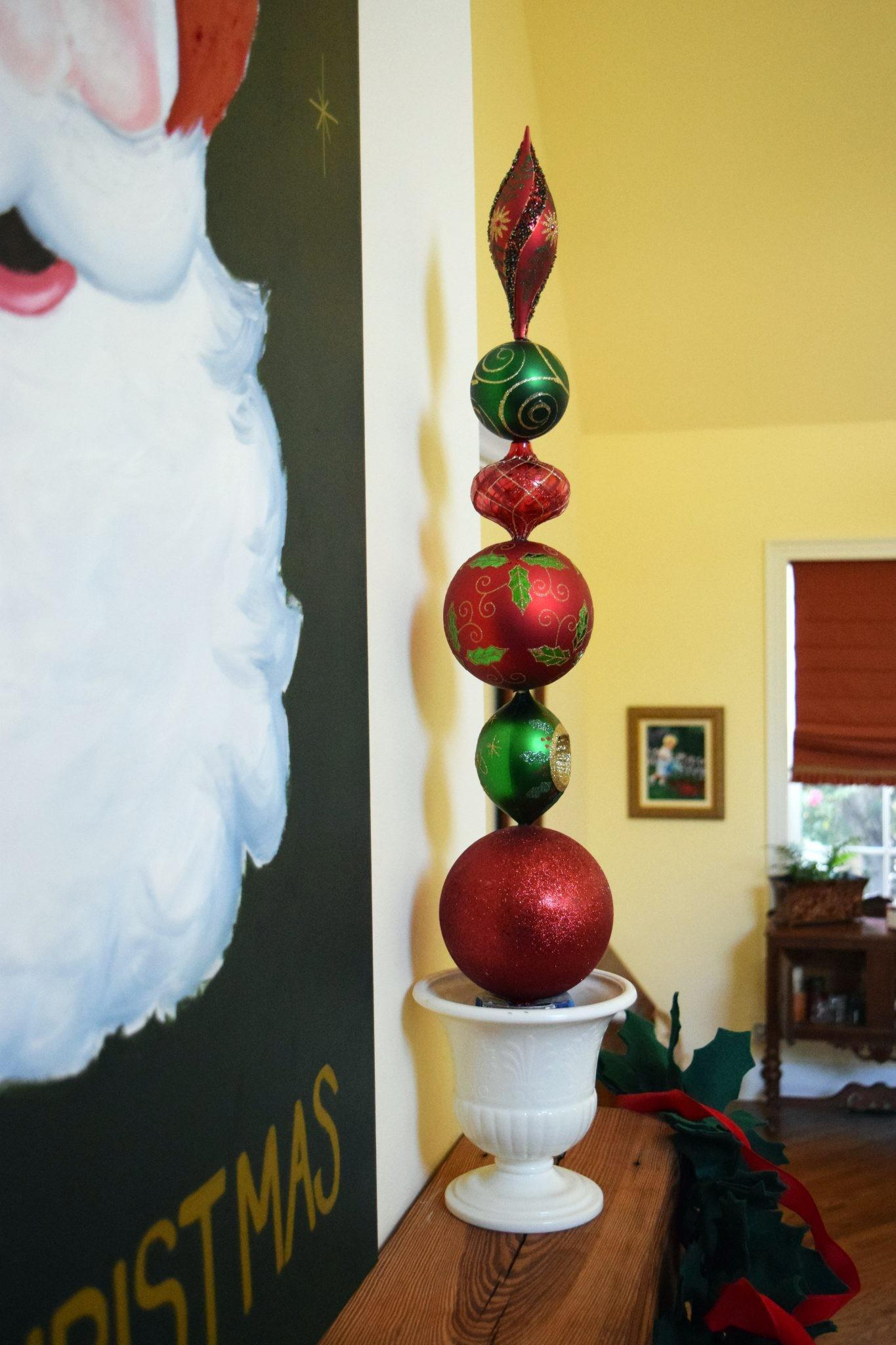 Resourceful Sparkling Diy Christmas Ornament Topiaries That Will Fascinate You For Sure Fantastic Pictures Decoratorist