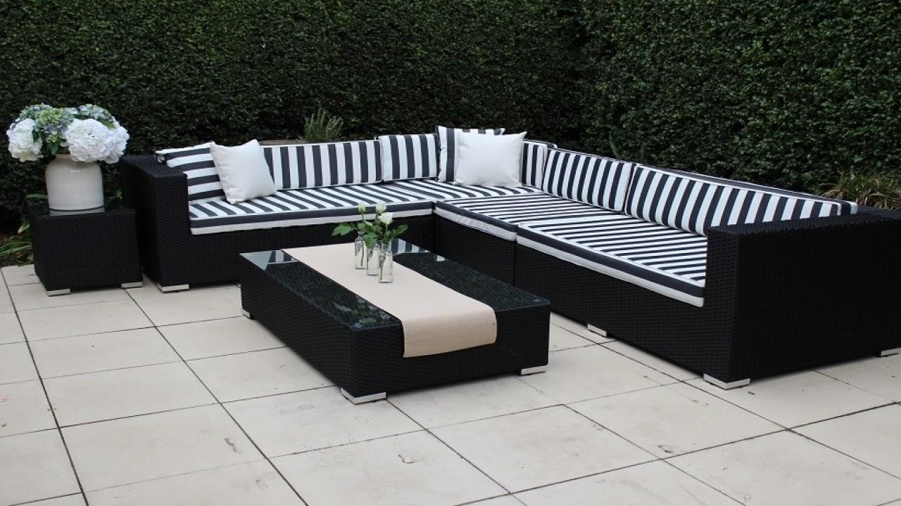 Outdoor Furniture White Wicker Black Striped
