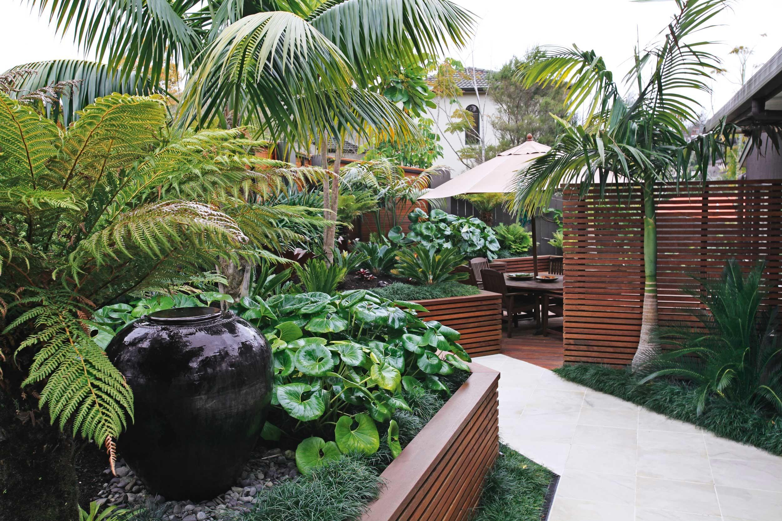 Outdoor Gardens Small Ese Tropical Home