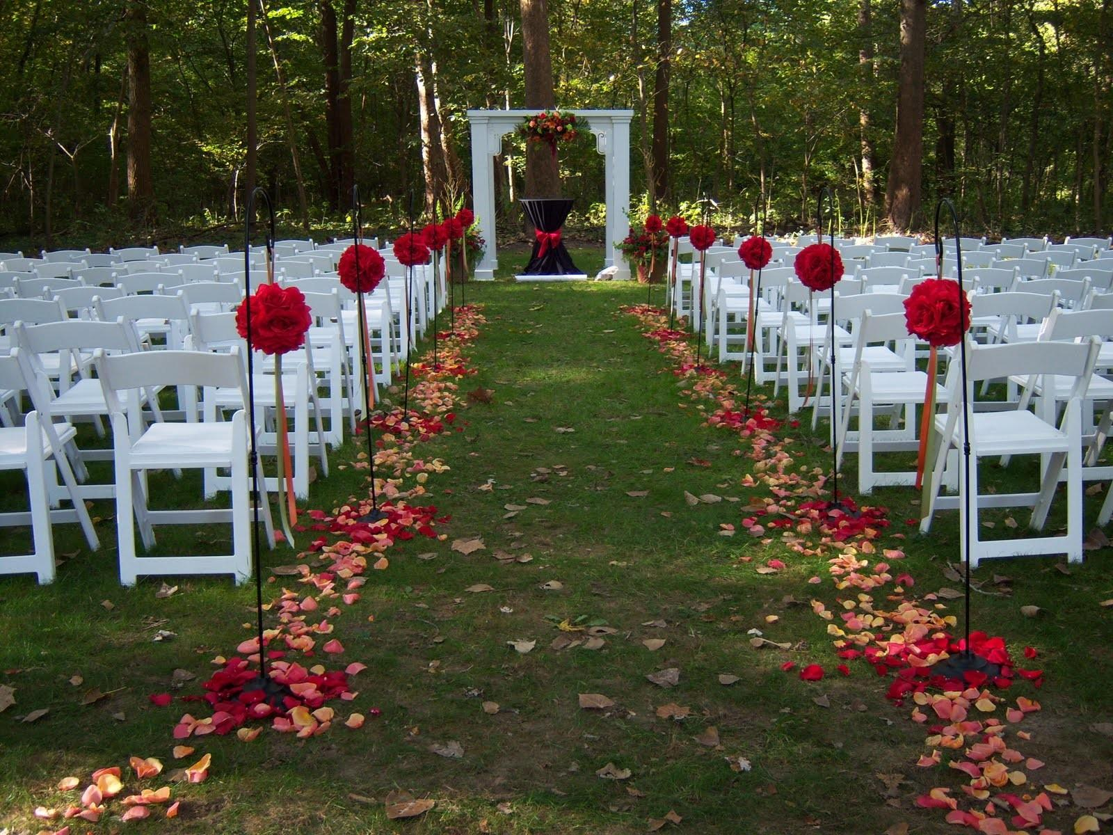 Outdoor Wedding Altar Decoration Ideas