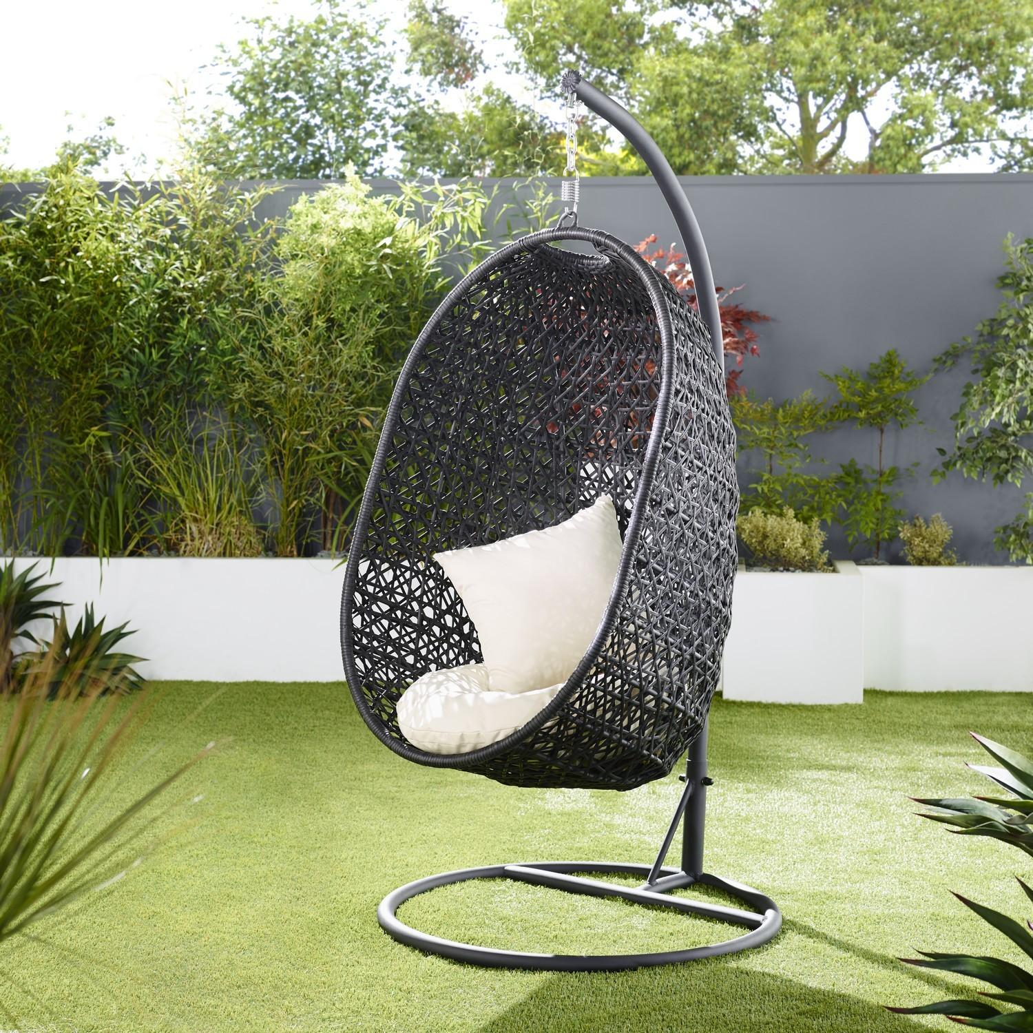 Outdoor Wicker Egg Chair Bring Attractive