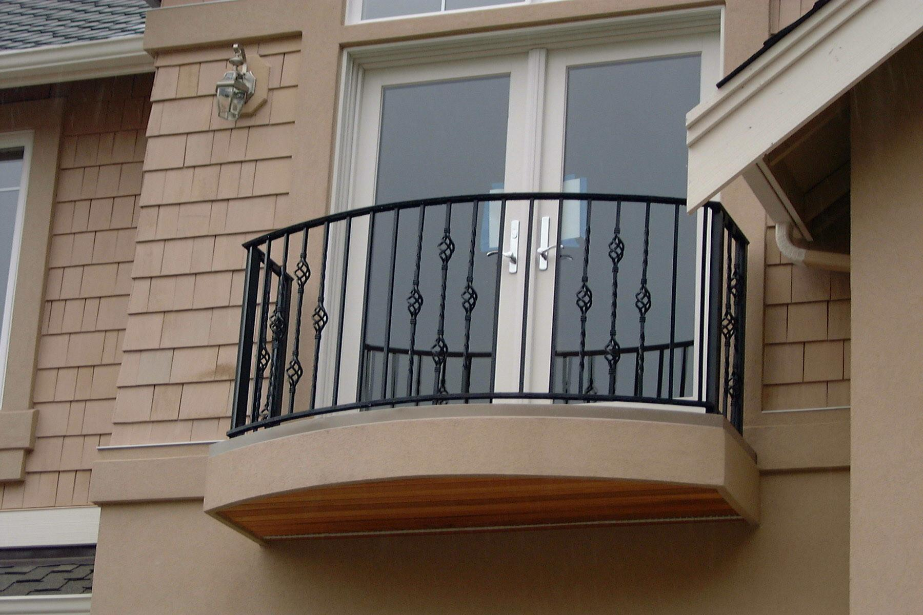 Outstanding Latest Balcony Railing Designs
