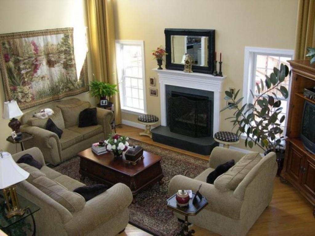 Outstanding Small Living Room Fireplace Decor Ideas