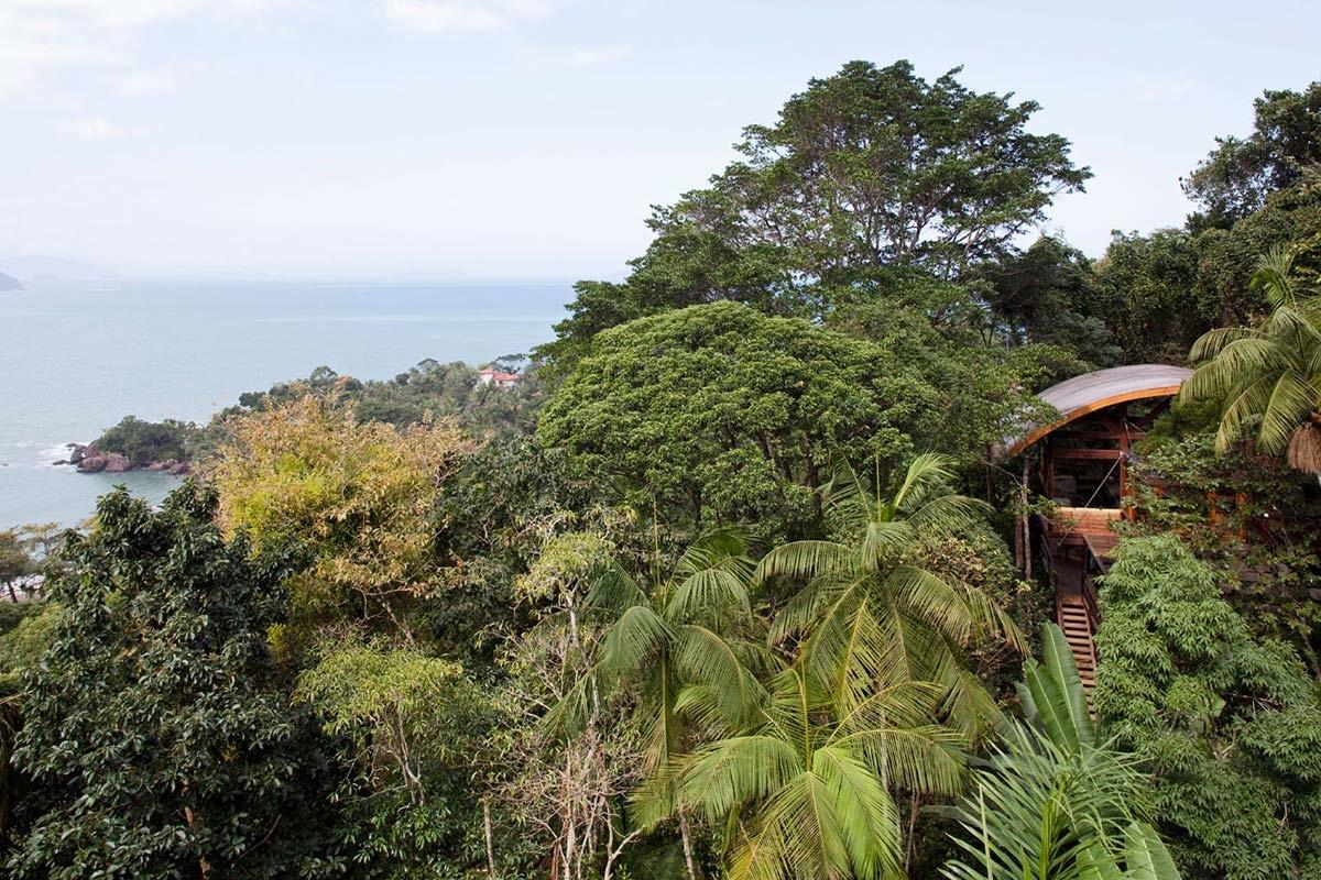 Outstanding Sustainable Home Praia Lix Brazil