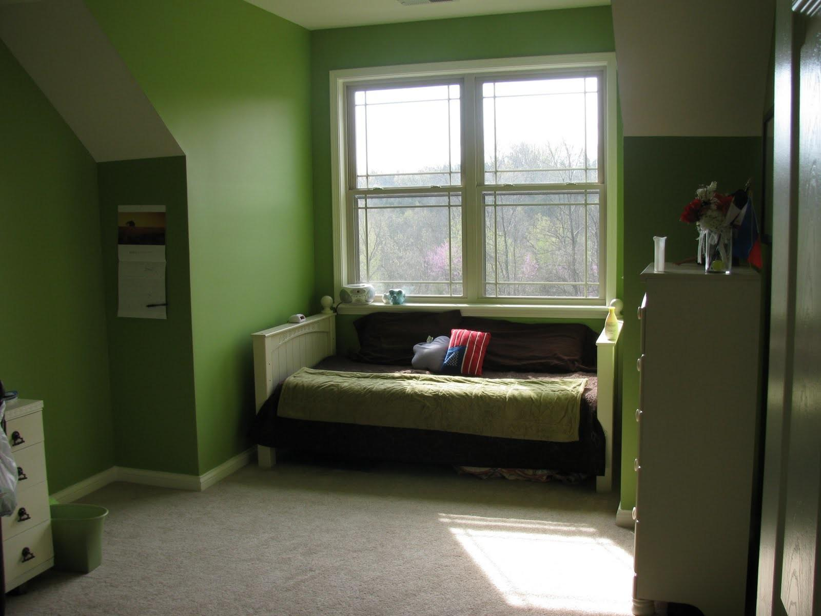 Paint Ideas Small Bedrooms Awesome Green Wall
