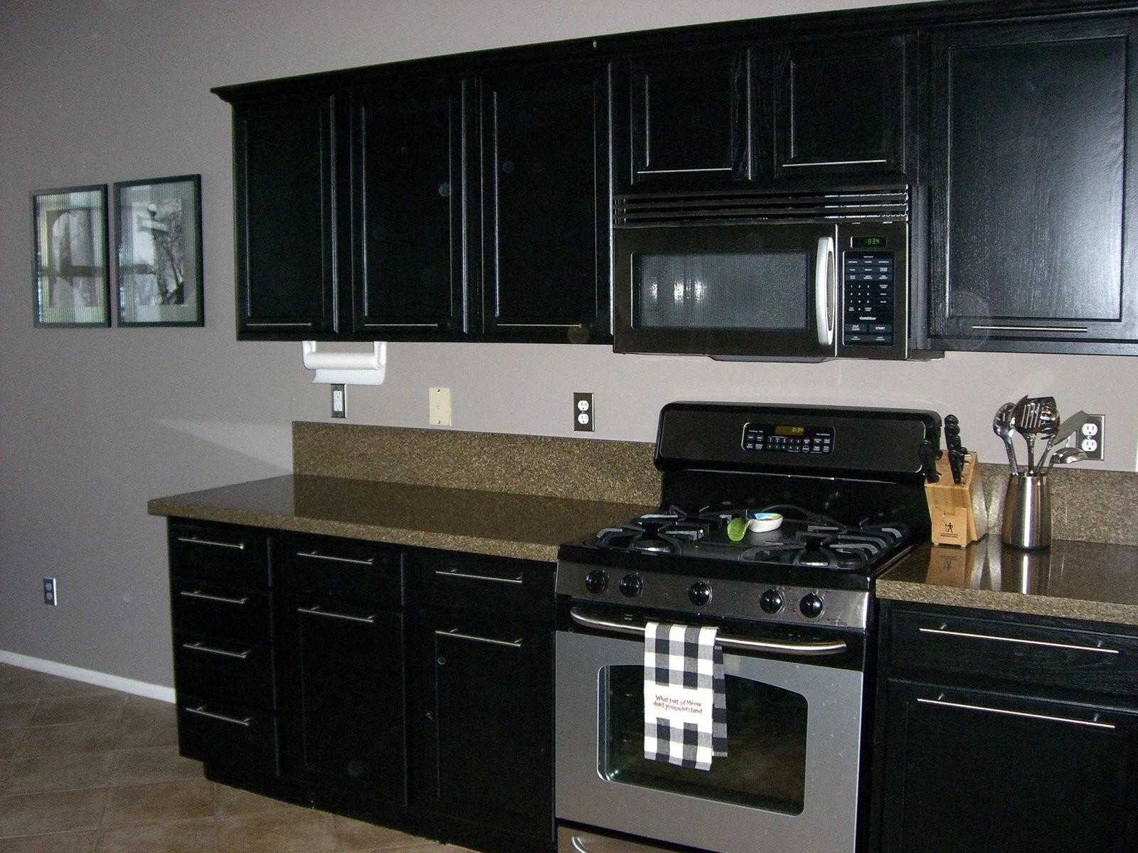 Painted Kitchen Cabinets Black Countertops Quicua