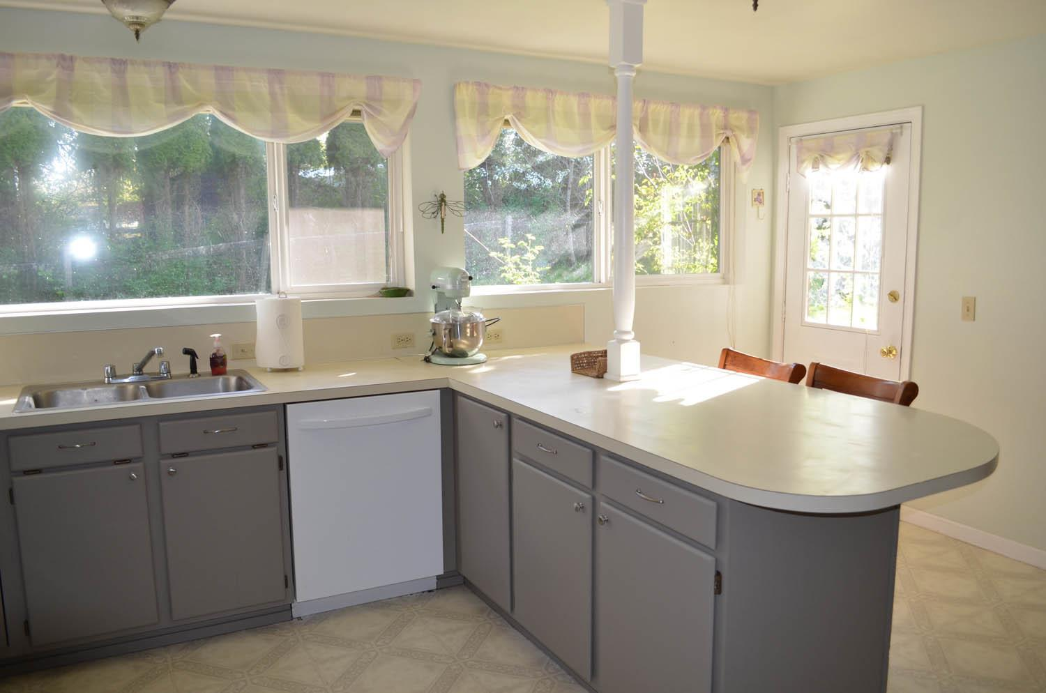 Painting Kitchen Cabinets Yourself Designwalls