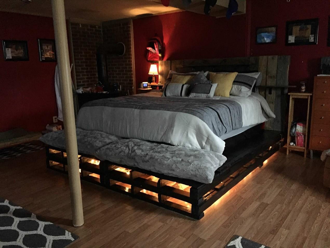 Pallet Bed Lights Achieve Good Sleeping Quality