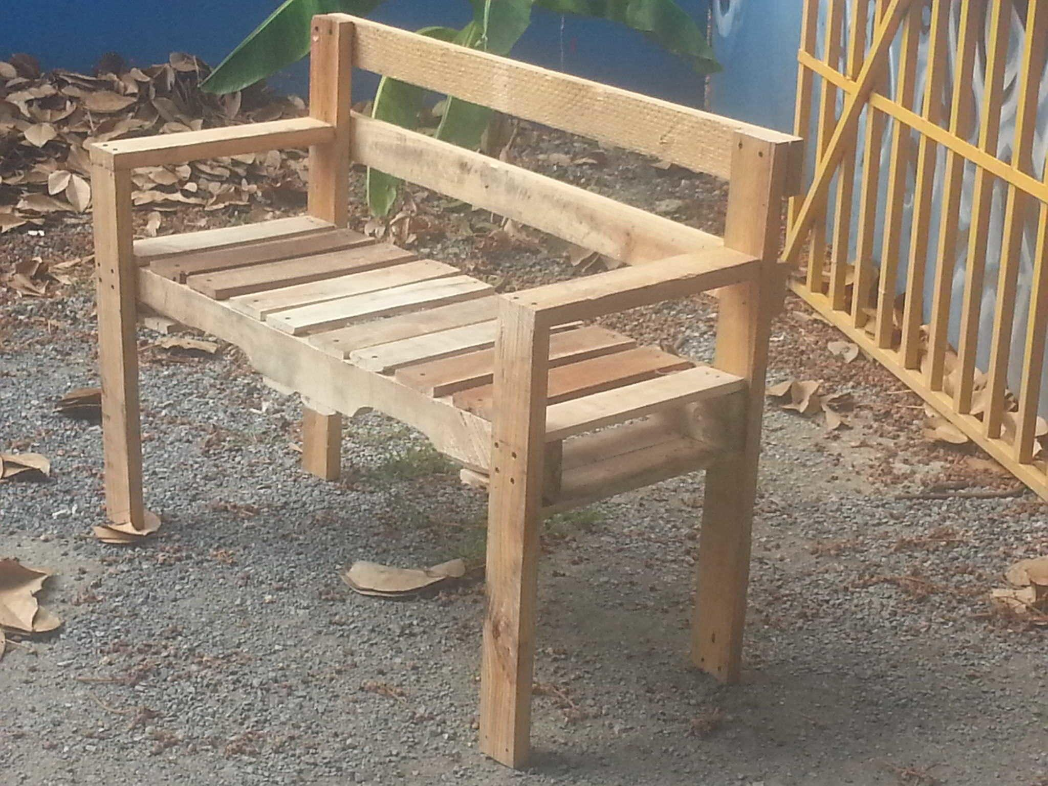 Pallet Outdoor Bench 1001 Pallets
