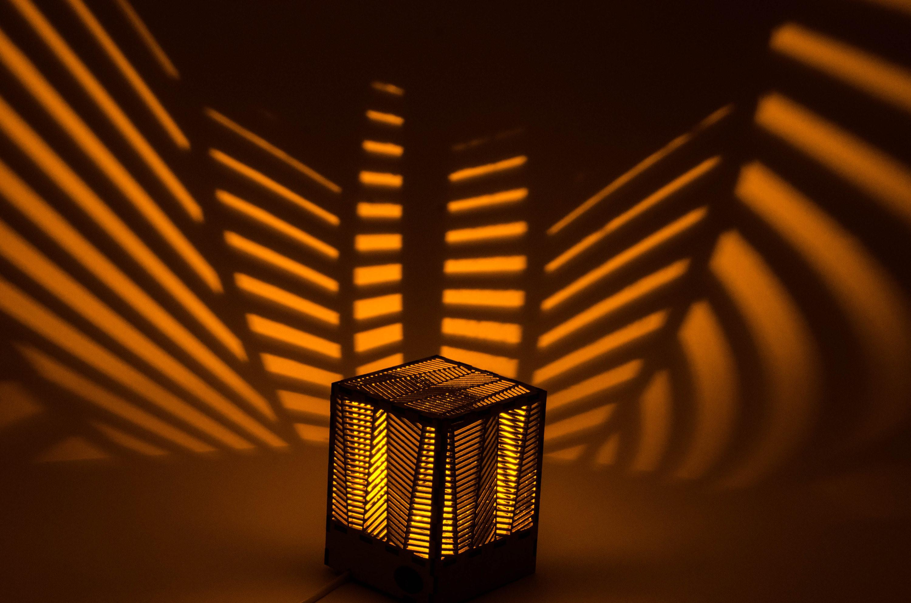Palm Decorative Lamp Shadow Laser Cut Table