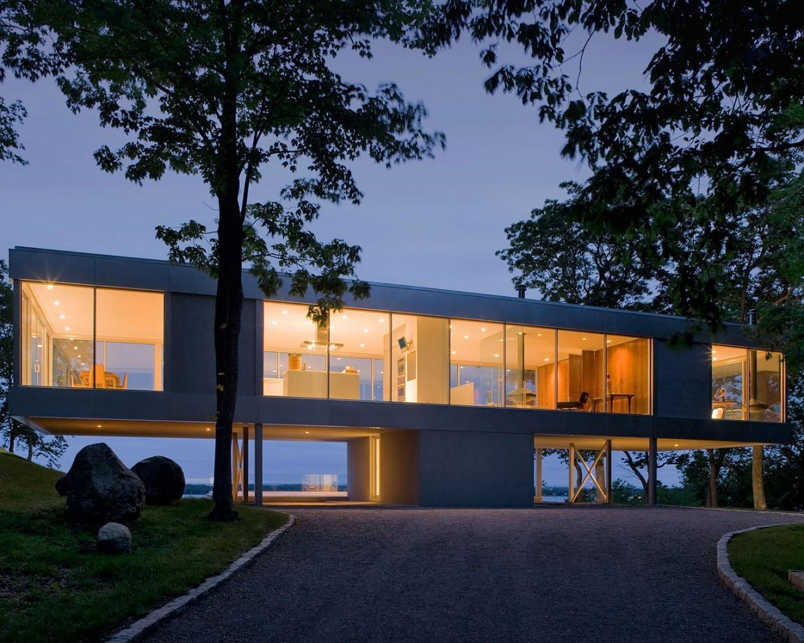 Panoramic Views Surround Cantilevered House All
