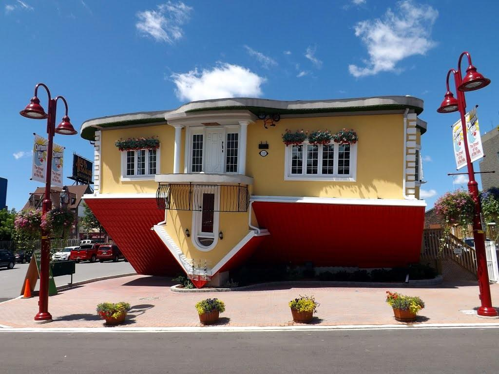 Panoramio Upside Down House