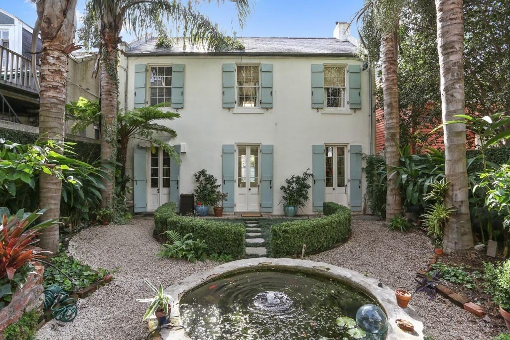 Party Never Has End These Mardi Gras Ready Homes