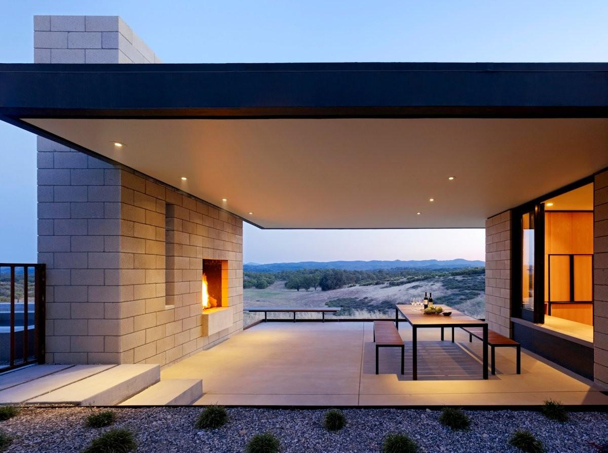 Passively Cooled House Outdoor Living Spaces