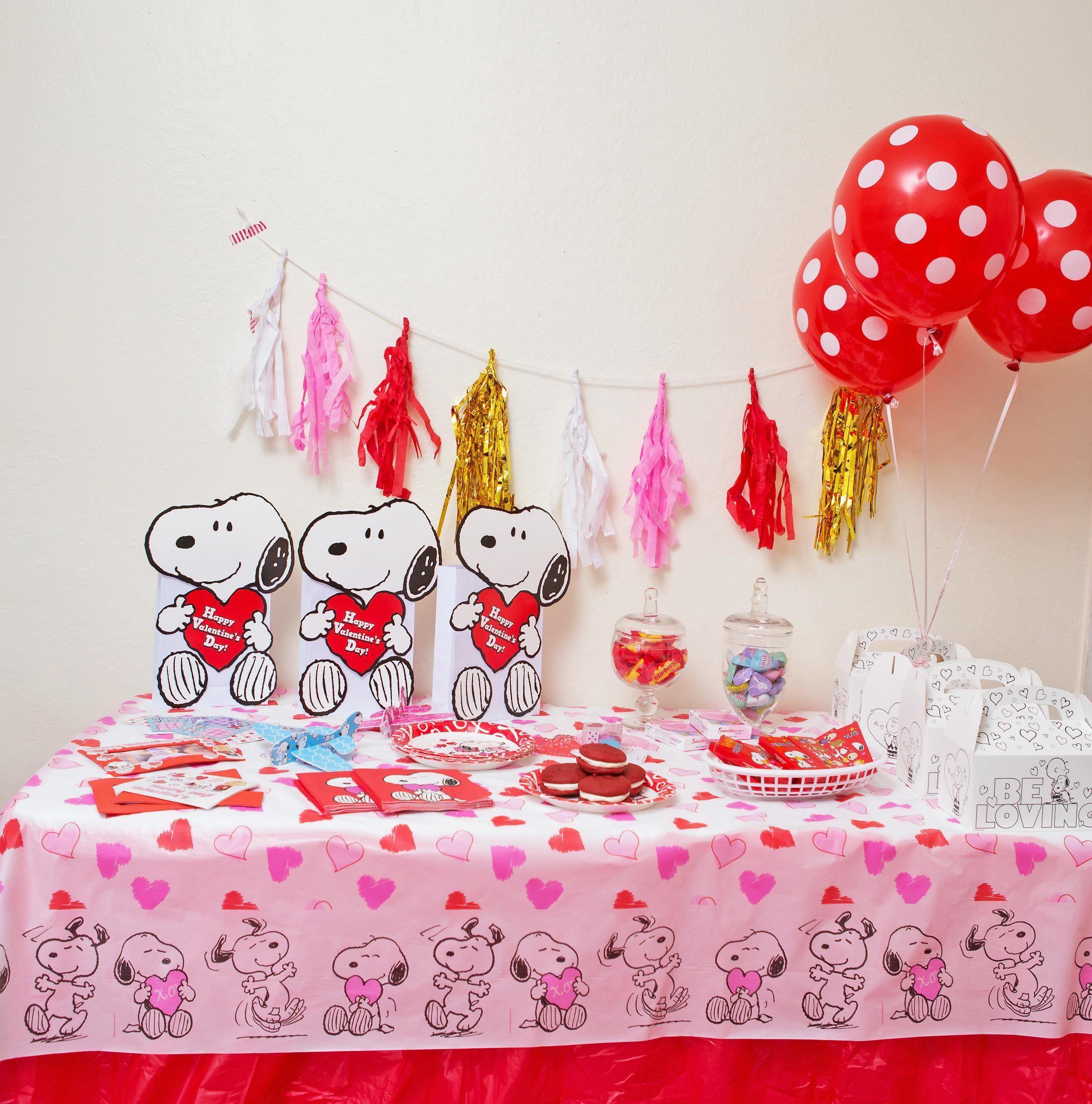 Peanuts Gang Valentine Party Craft Ideas