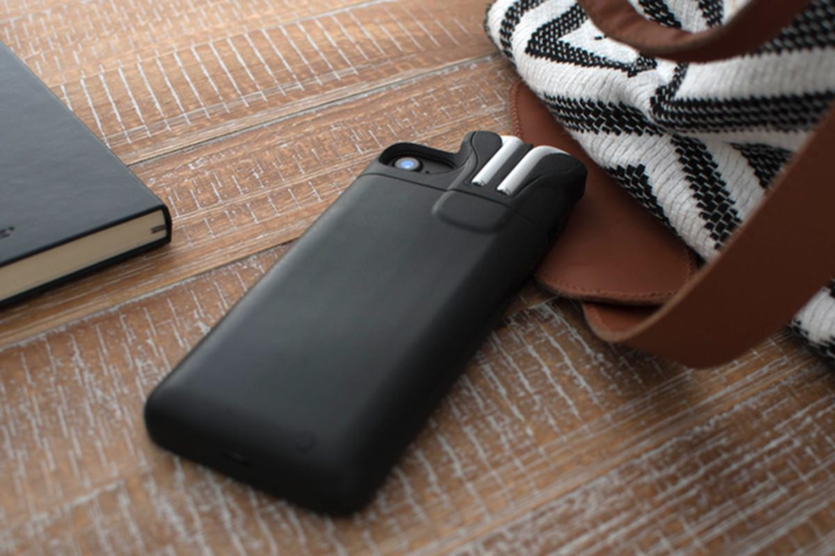 Pebble Creator Made Iphone Case Can Store