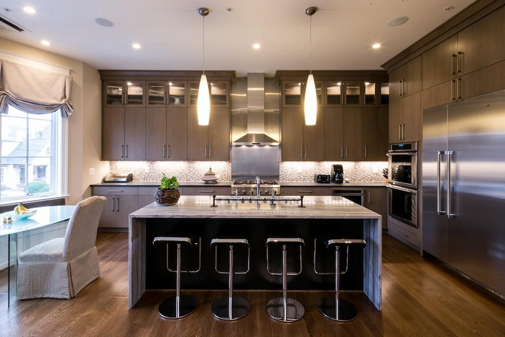 Perfect Pendant Light Your Kitchen Sandy Spring Builders