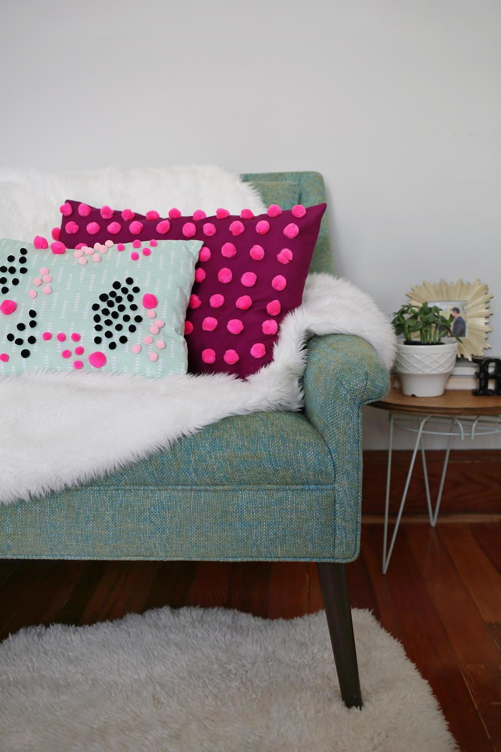 Perfect Pom Diy Pillow Allfreesewing