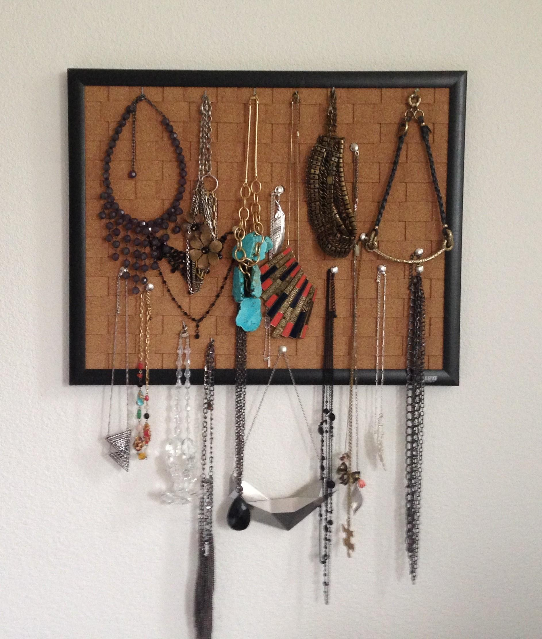 Pin Your Necklaces Easiest Diy Jewelry Holder