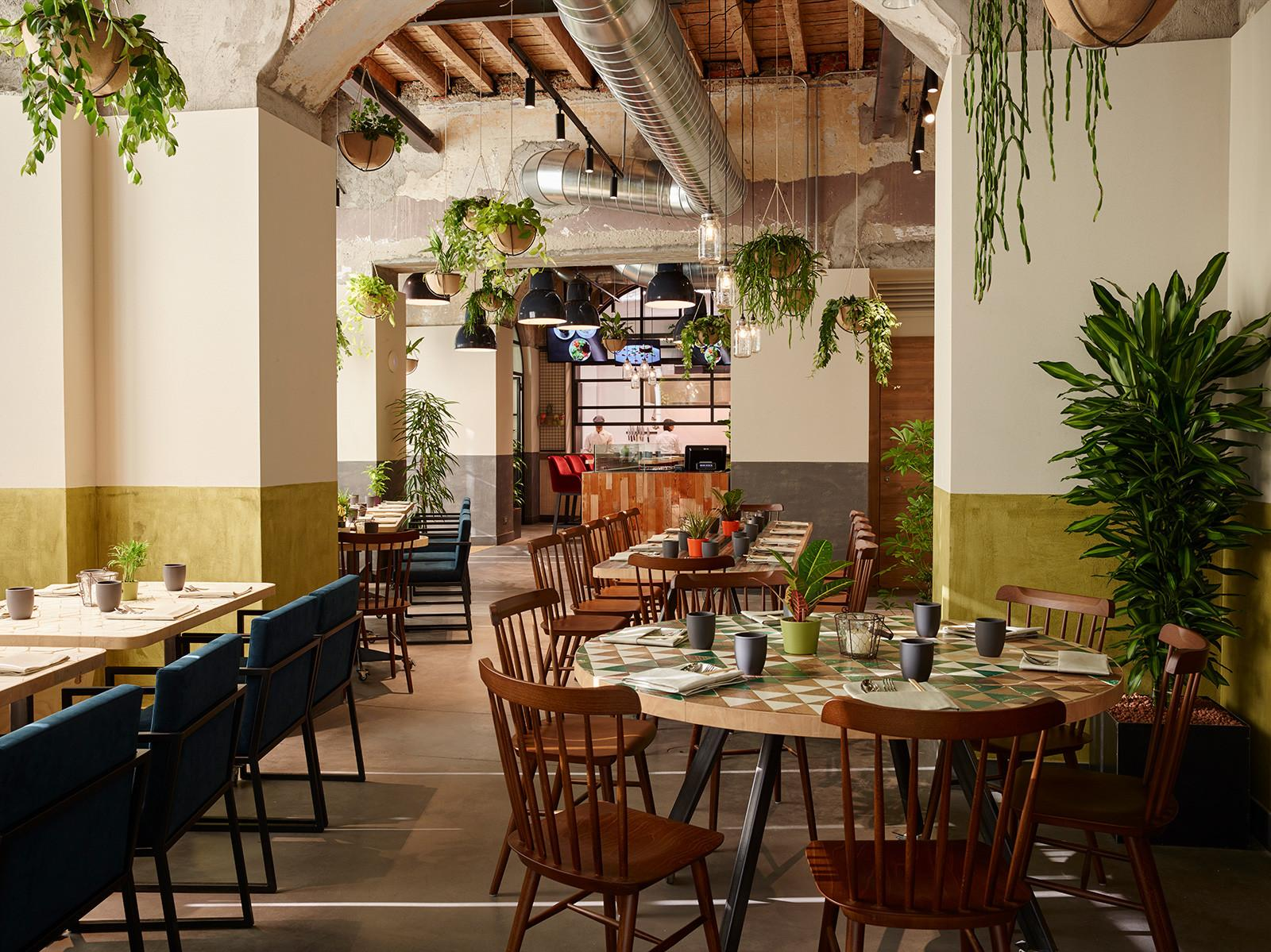 Plant Filled Restaurant Soulgreen Springs Milan