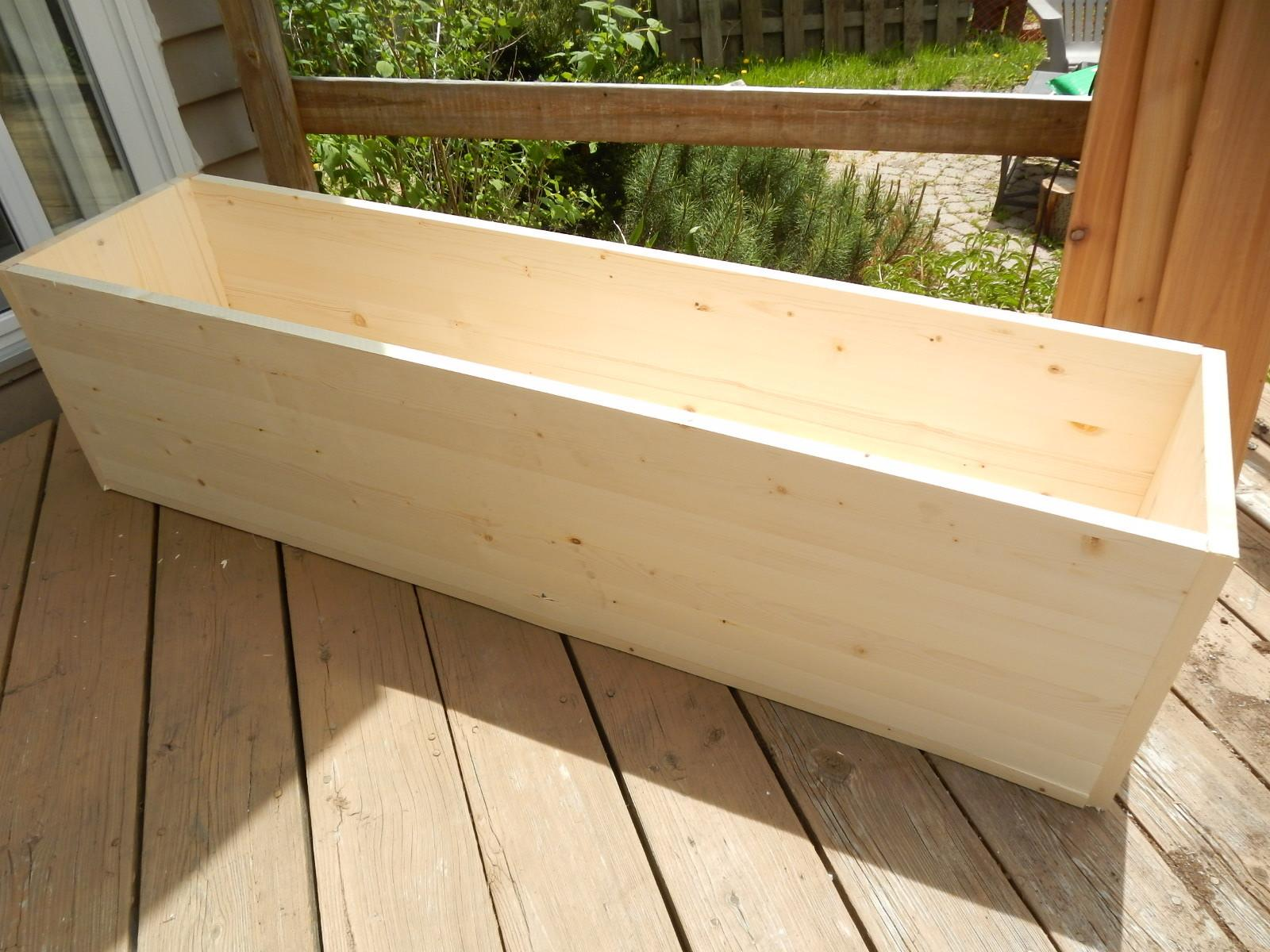 Planting Privacy Diy Wood Planter Just Decorate