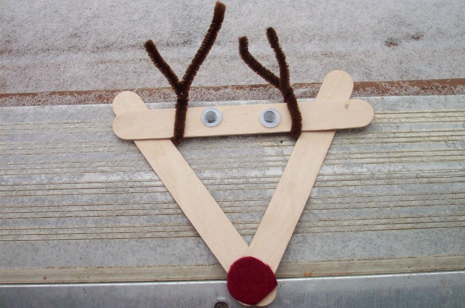 Play Popscicle Stick Reindeer