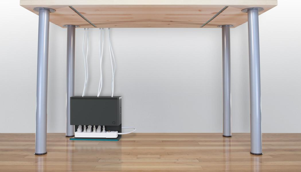 Plug Hub Simplifies Under Desk Power Cable Management Tested