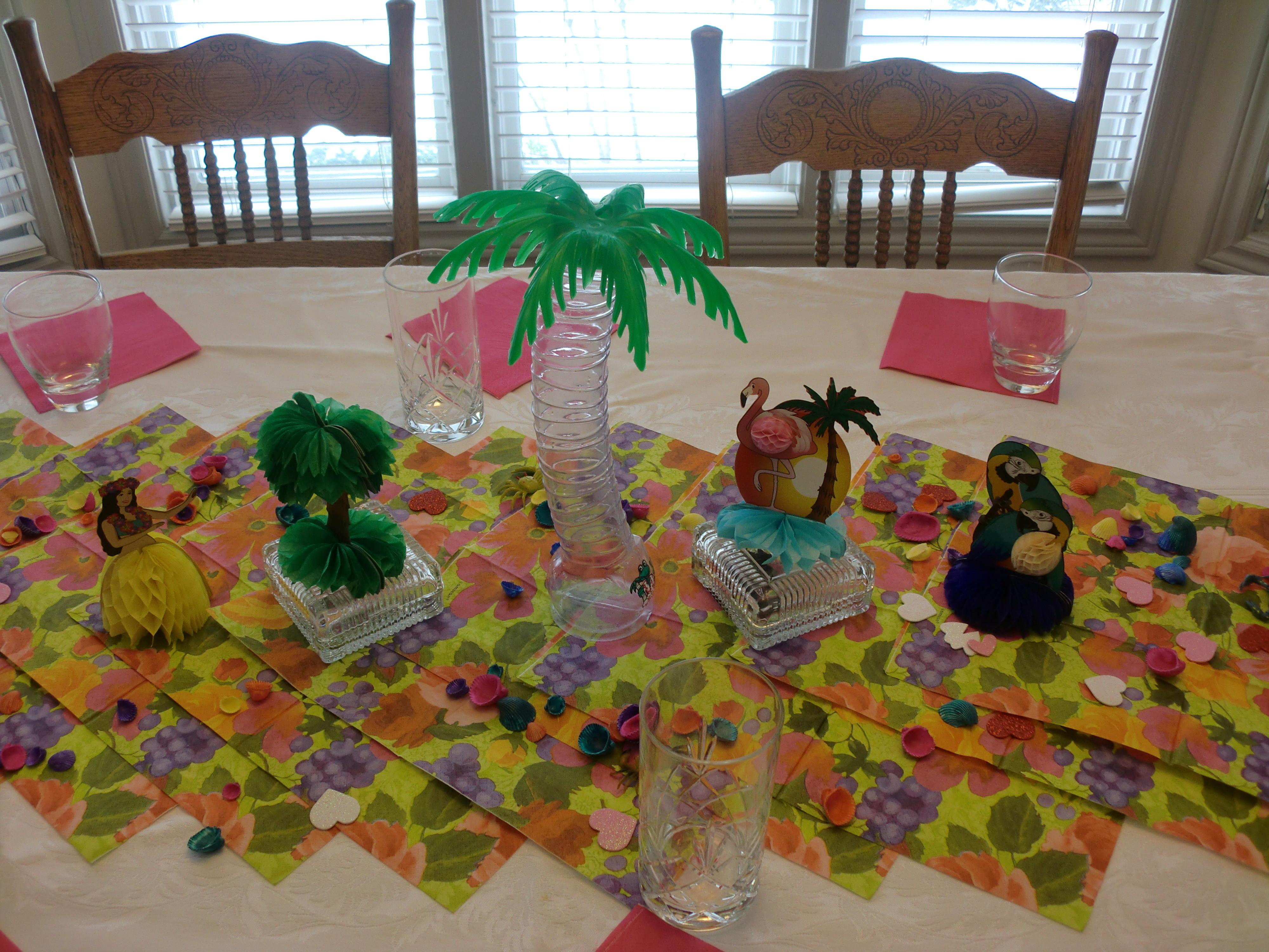 Popular Wooden Project Hawaii Table Decoration Ideas