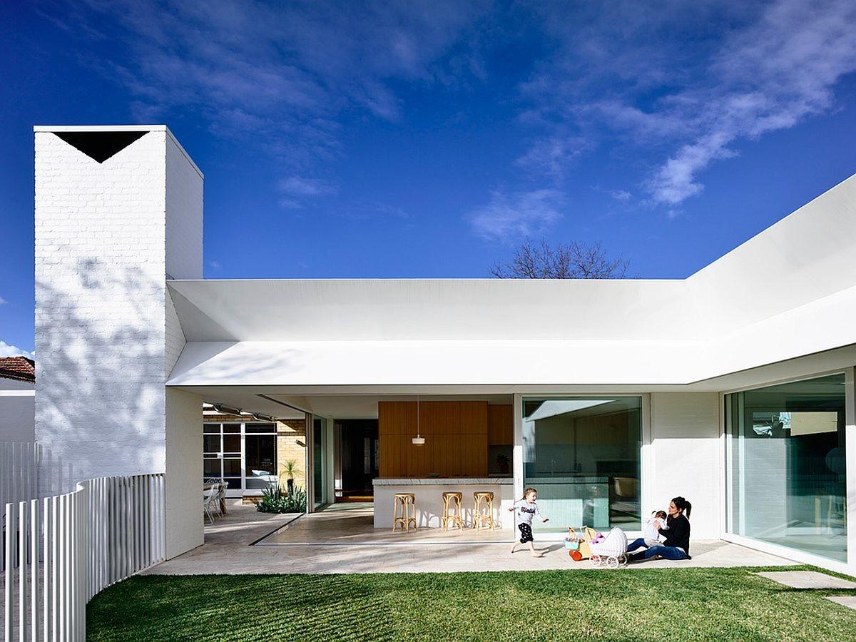 Post War House Melbourne Gets Cheerful Modern