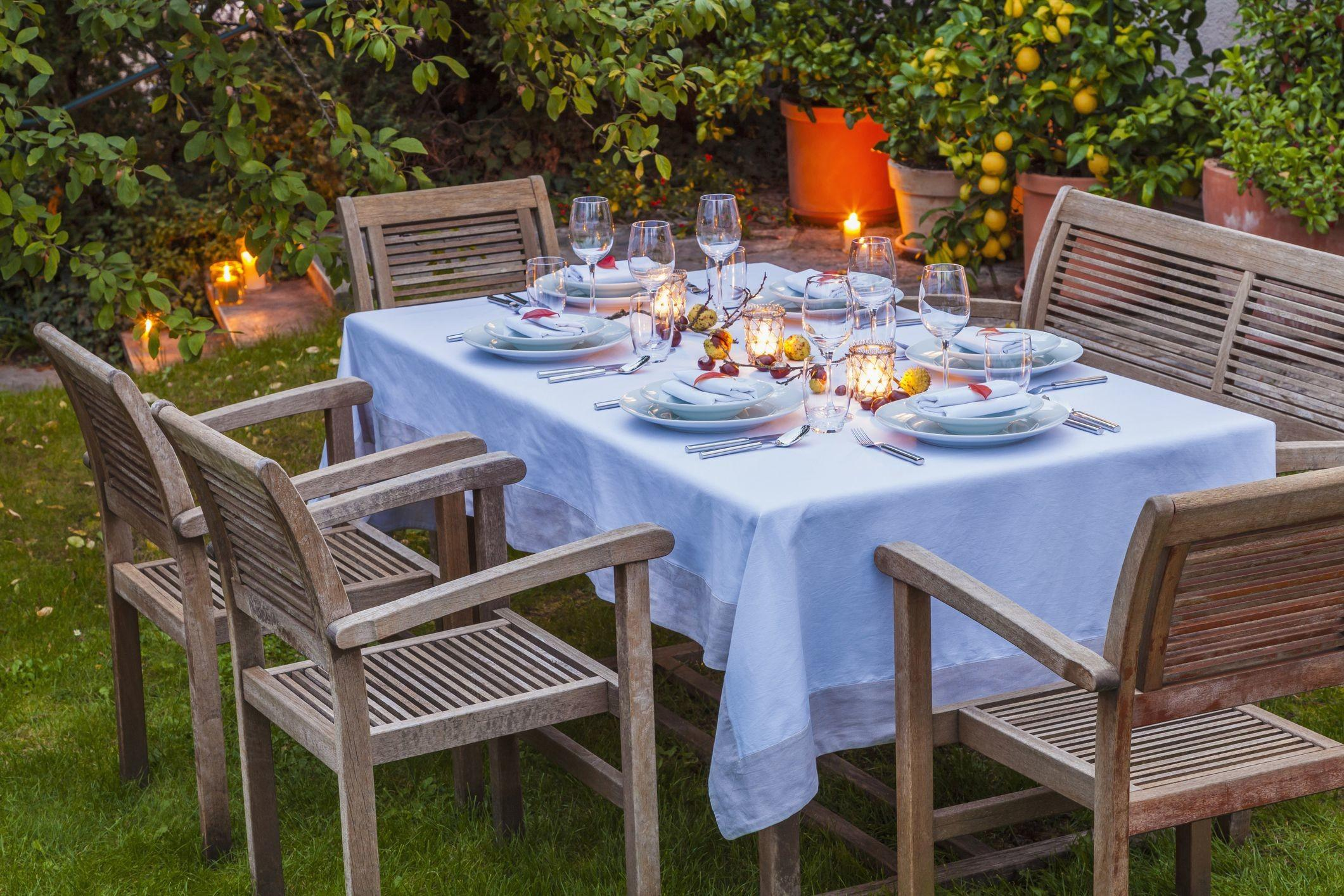 Pretty Practical Outdoor Tablecloths