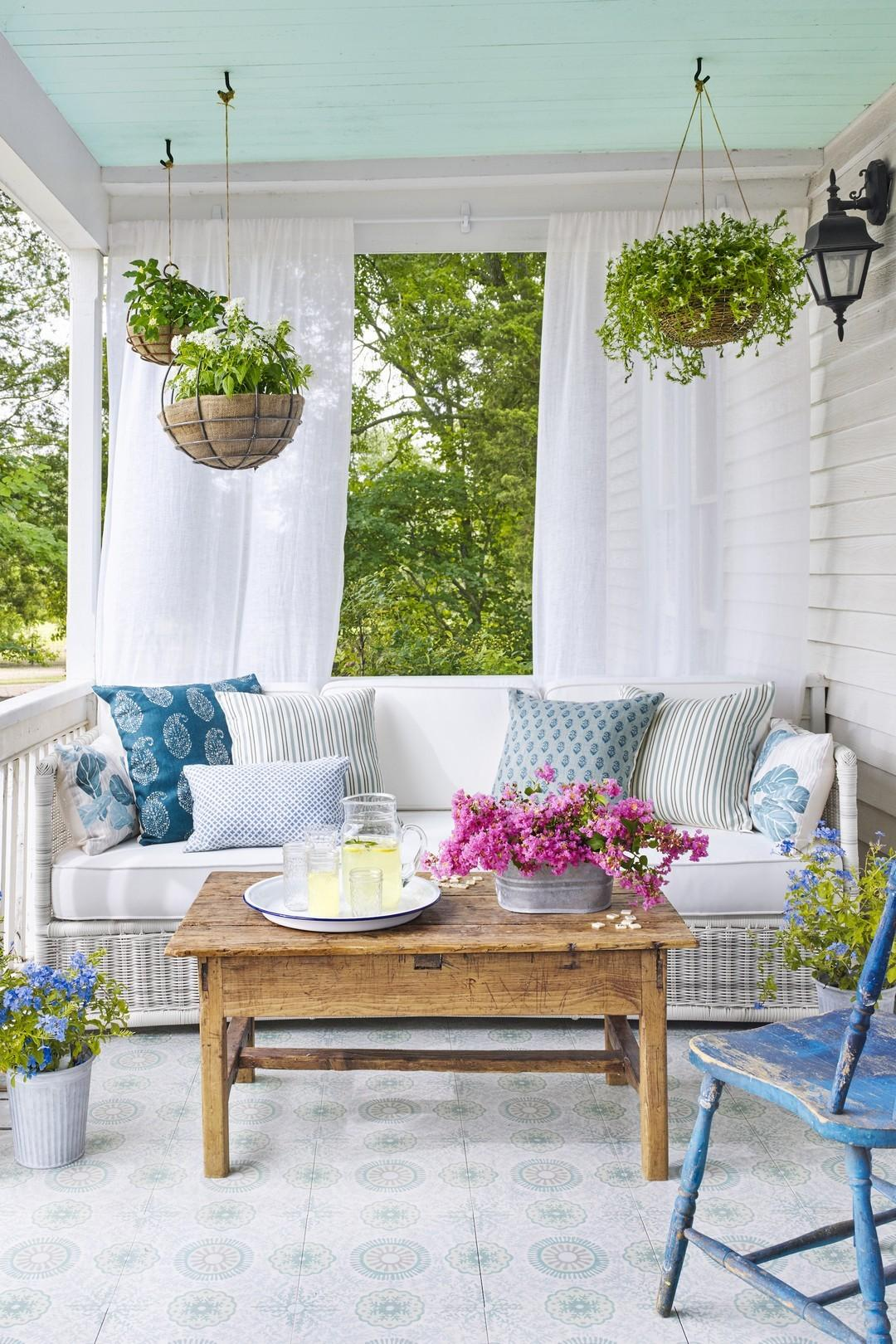 Pretty Spring Front Porch Decorating Ideas Onechitecture
