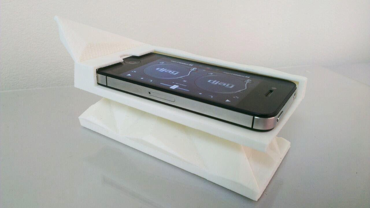 Printed Iphone Console Dock Charger Model