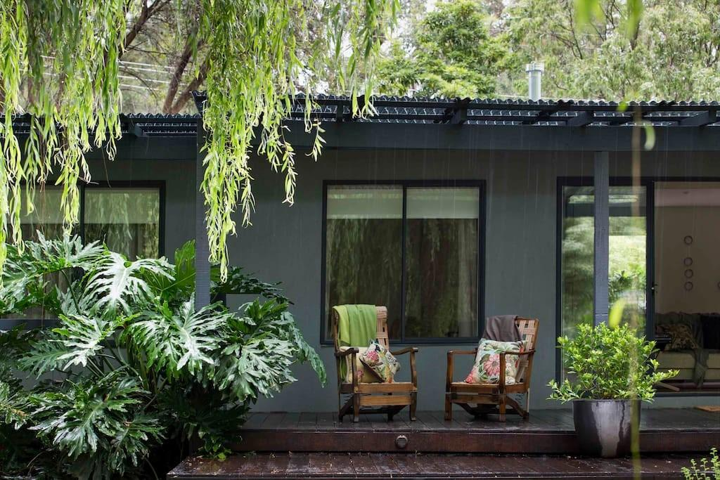 Private Contemporary Botanical Houses Rent