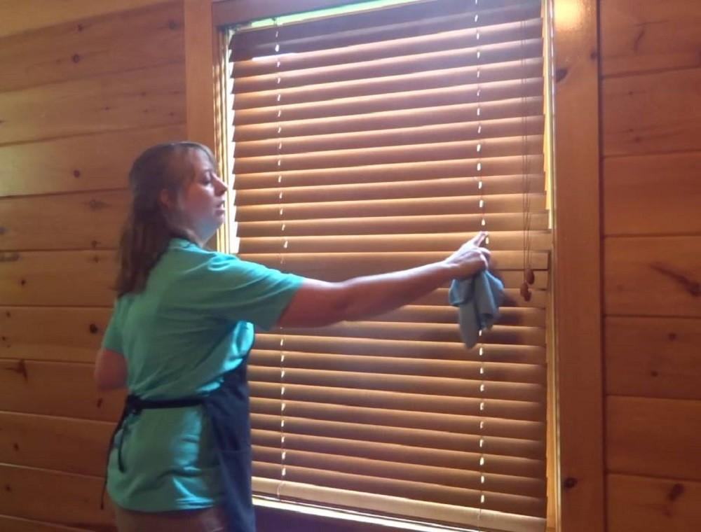 Quick Fast Simple Tips Cleaning Window Blinds