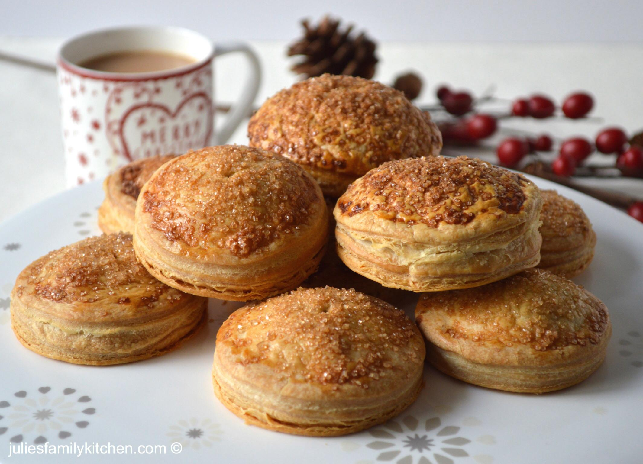 Quick Puff Pastry Mince Pies Julie Family Kitchen