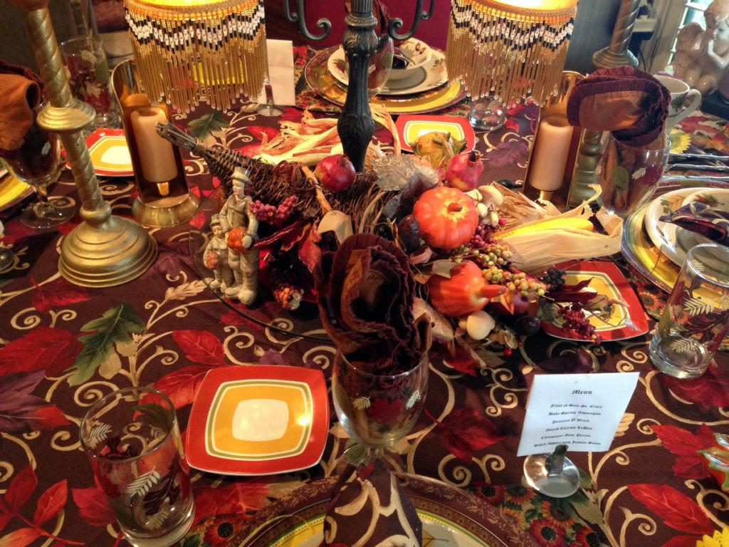 Real People Share Their Thanksgiving Home Decor Holiday