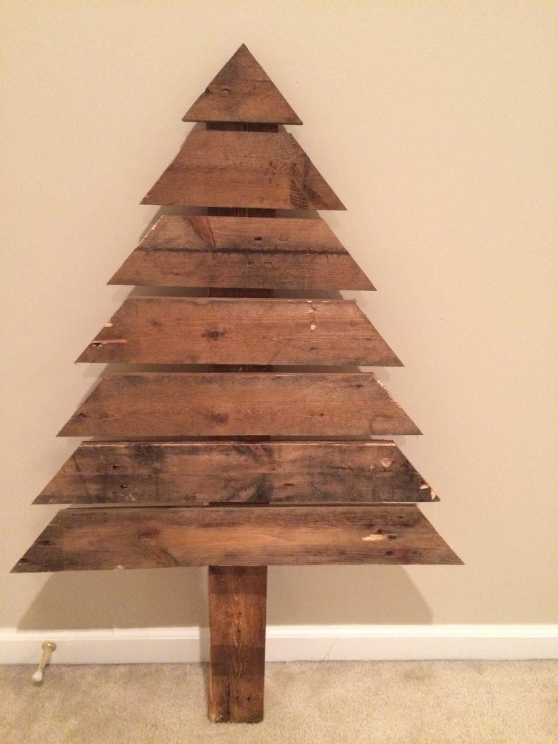 Reclaimed Pallet Wood Christmas Tree