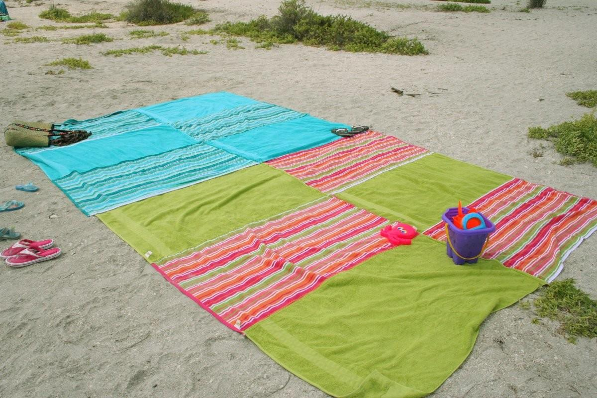 Recycle Towels Make Beach Blanket Chica