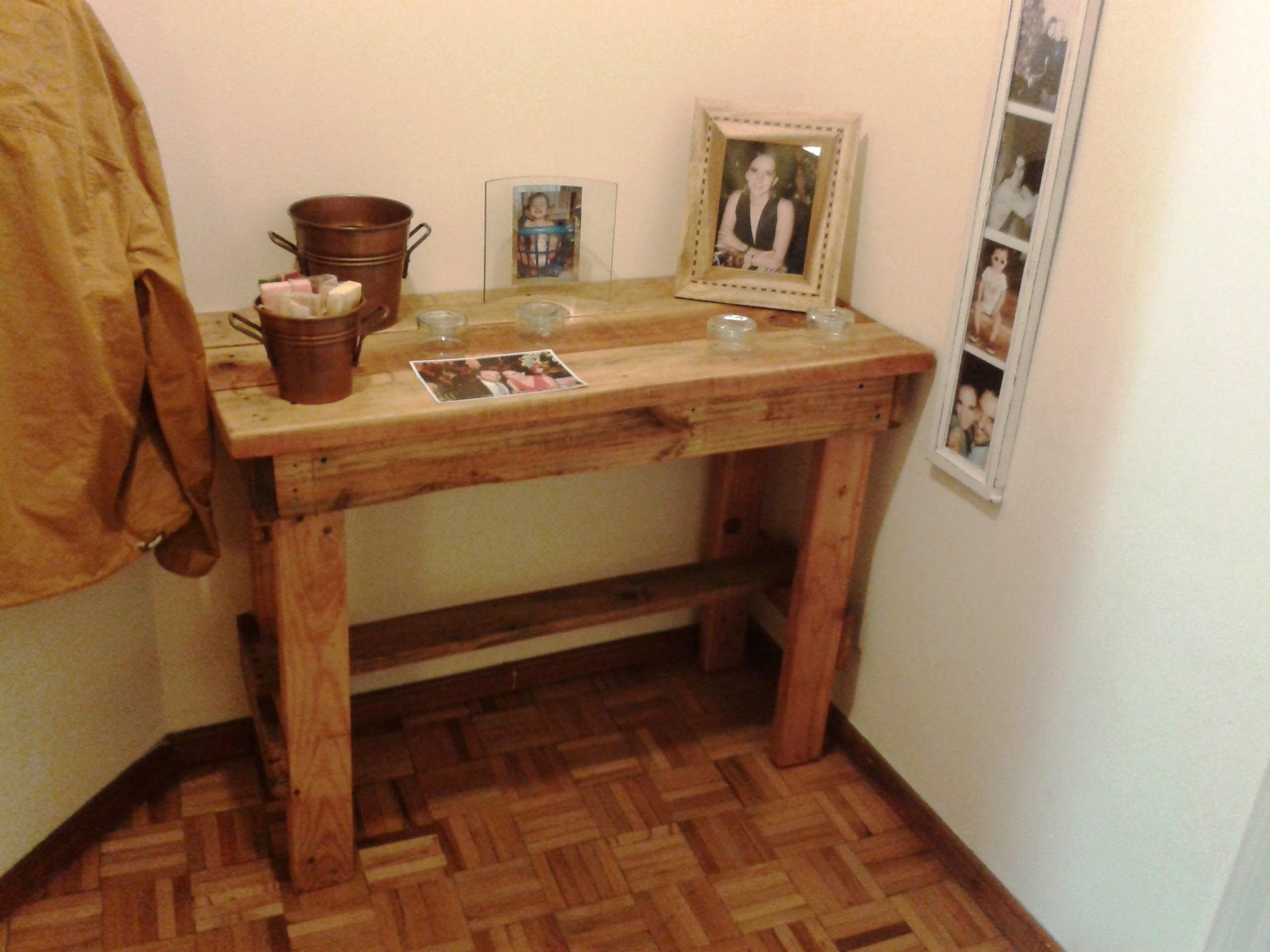Recycled Pallet Coffee Table Diy Coat Hanger Side