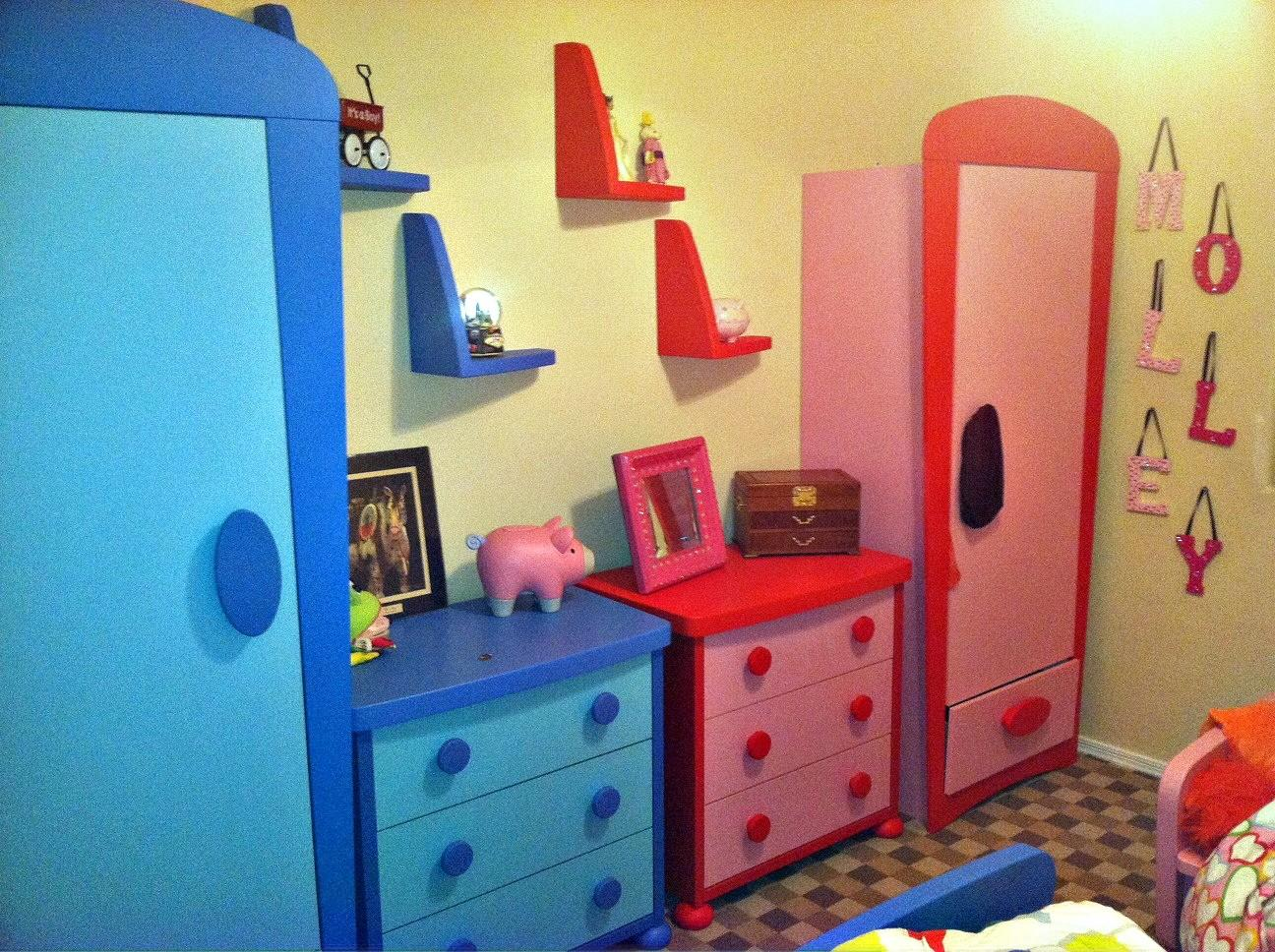 Red Color Bedrooms Special Character