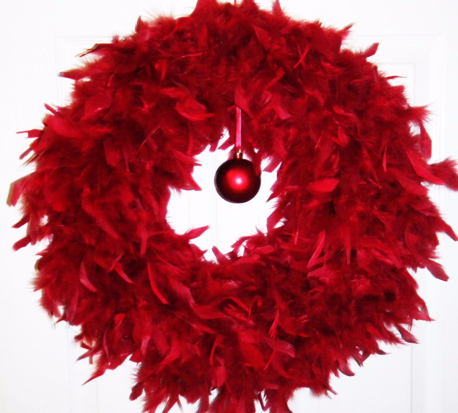 Red Feather Wreath Angelwreaths