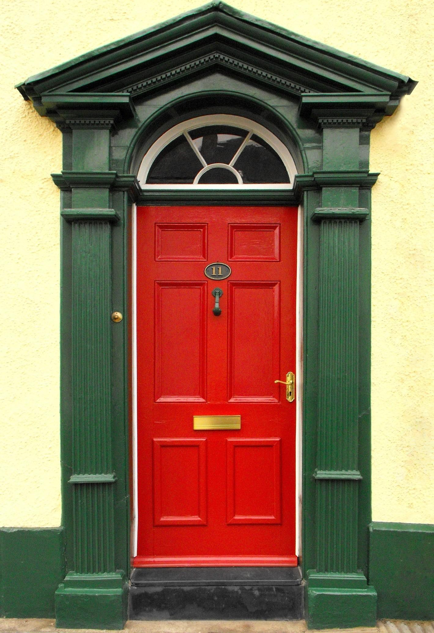 Red Front Door Casual Cottage