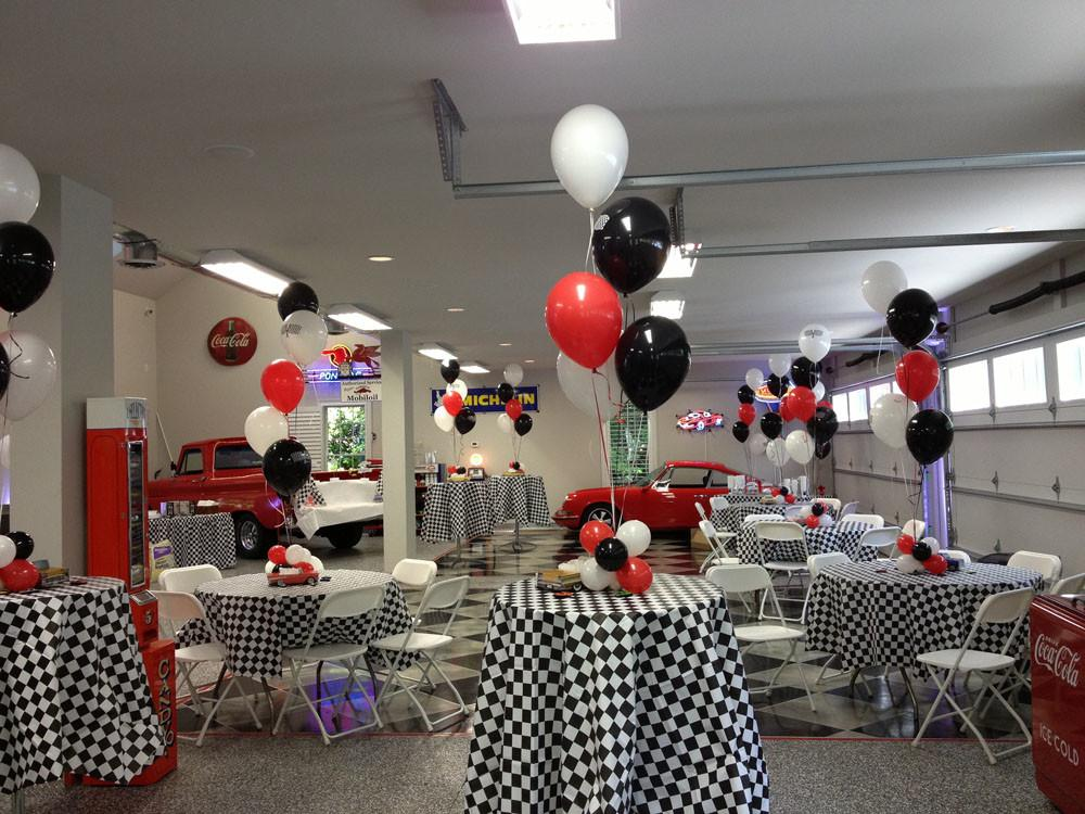 Red White Balloon Centerpieces Party Themes Inspiration