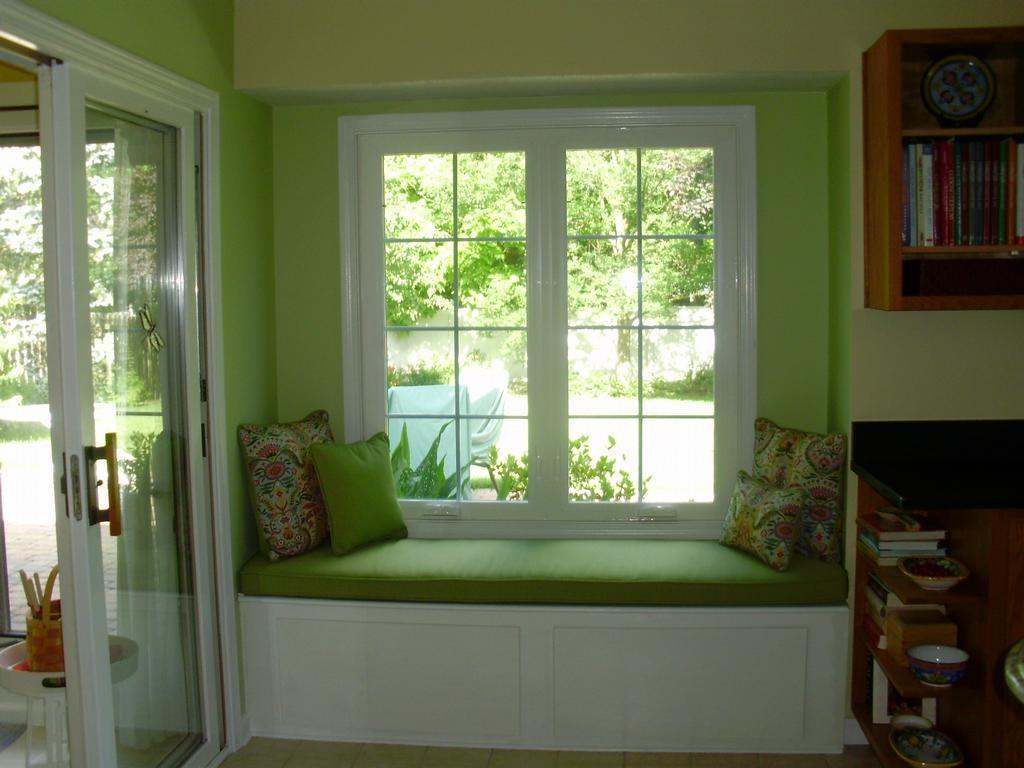 Refreshing Green Nuance Contemporary Sitting Space